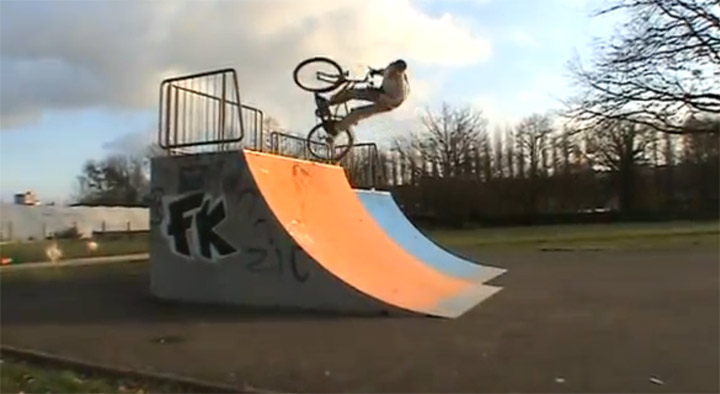 Biking-Tricks mit dem Damenrad