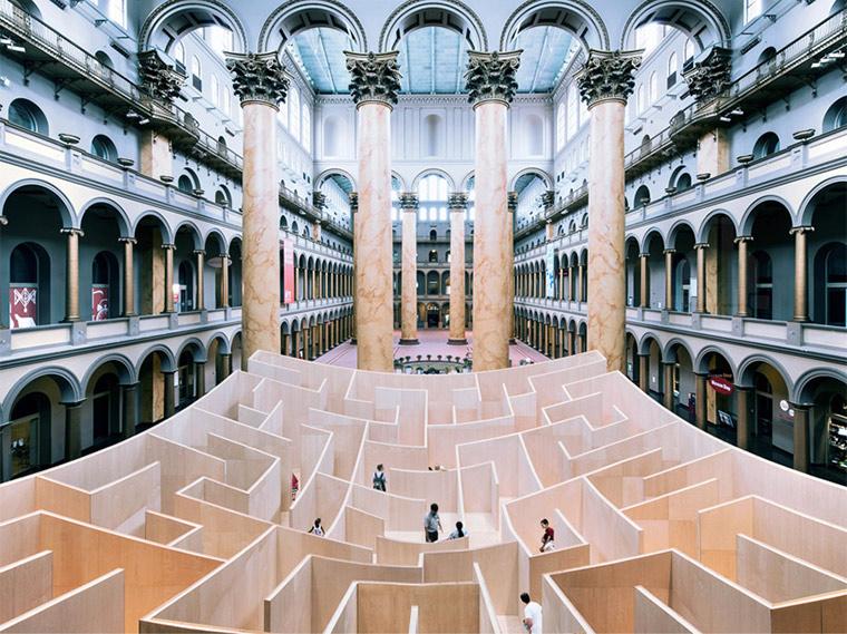 Labyrinth wird nach Innen ersichtlich BIG_maze_05