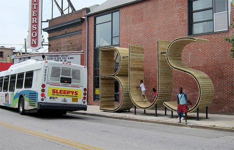 Das Wort BUS als Haltestelle BUShaltestelle_01
