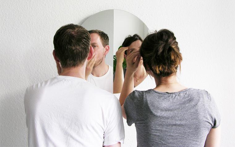 Spiegel halb-halb