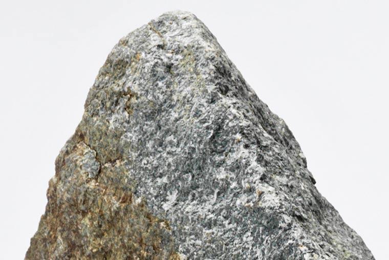 Tisch mit eingebautem Riesensteinsprung emmet_rock_02