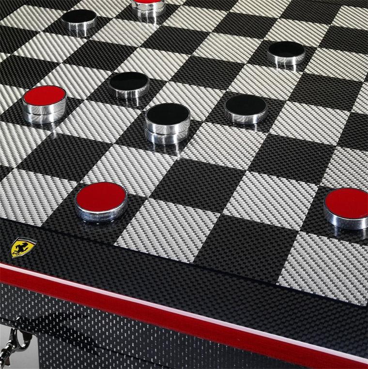 Ferrari-Schachbrett aus Carbon ferrari_chessboard_04