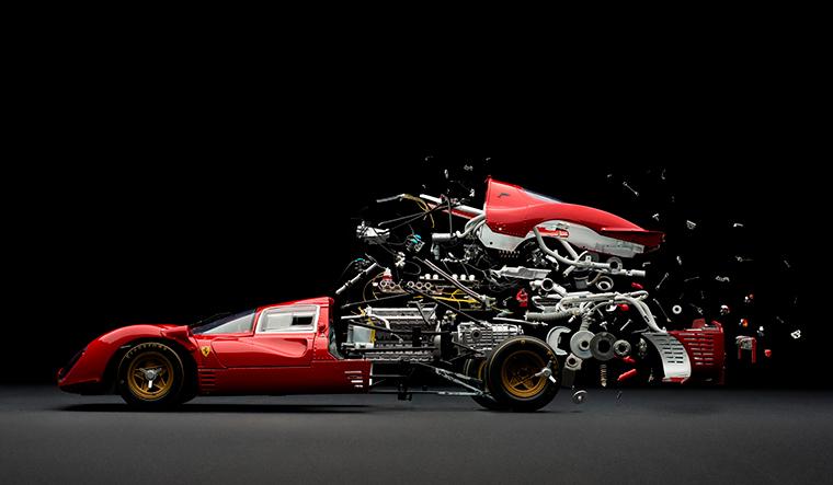 Fotografie: explodierende Autos Disintegrating_01