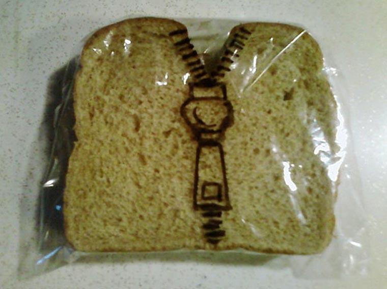 Vater bemalt täglich Sandwichtüten der Kinder dads_sandwich-bags_06