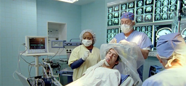 Was Ärzte machen, wenn du unter Vollnakose stehst KAYAK_brain_surgery