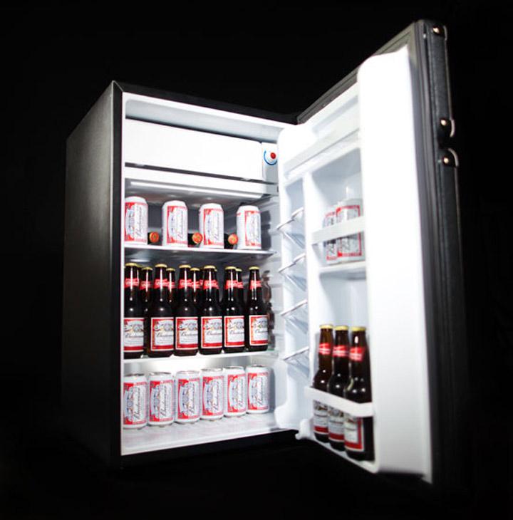Der Marshall-Verstärker-Kühlschrank Marshall_cooler_03