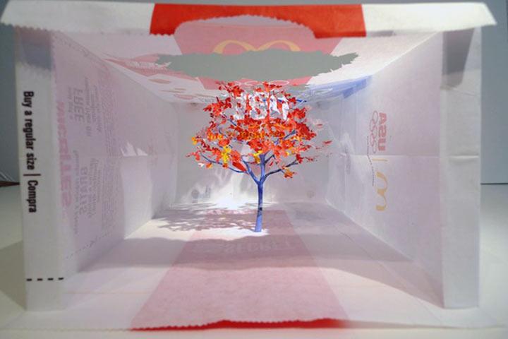 Art: Ein Baum aus einer McDonalds-Tüte McDonalds_bag_tree_02
