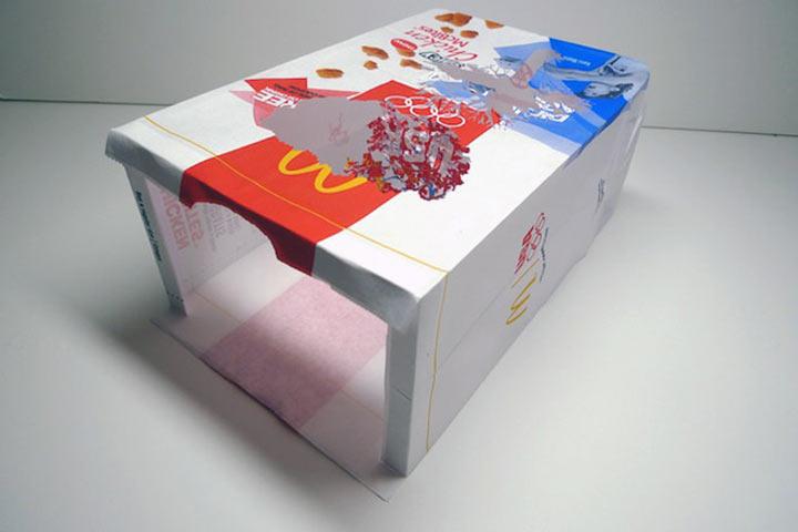 Art: Ein Baum aus einer McDonalds-Tüte McDonalds_bag_tree_03