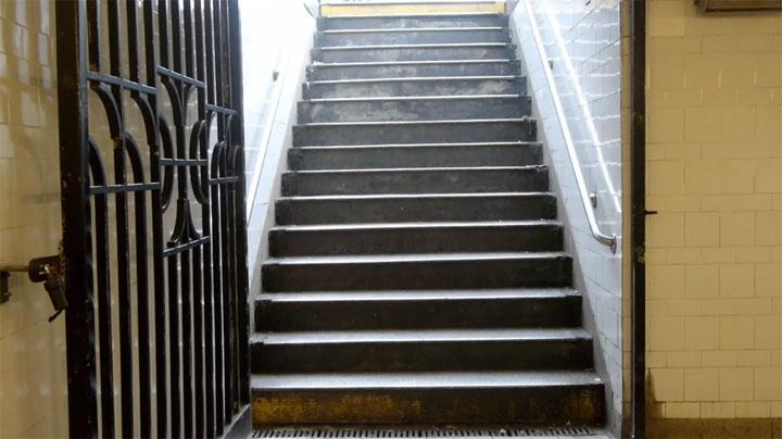 Die gemeine U-Bahn-Treppe