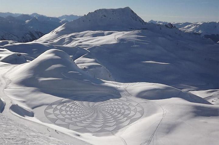 Geometrische Schneemusterkunst Simon_Beck_03
