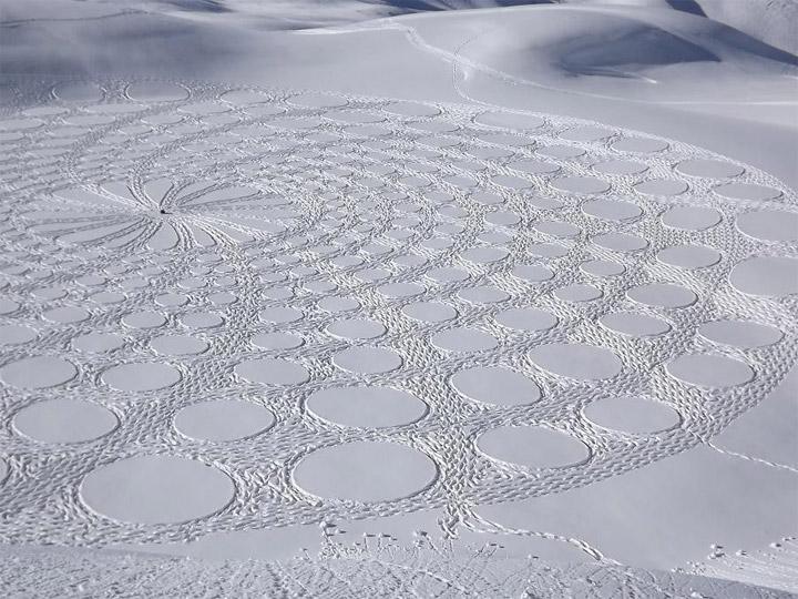 Geometrische Schneemusterkunst Simon_Beck_09