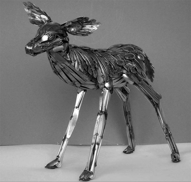 Tierskulpturen aus Besteck Gary_Hovey_03