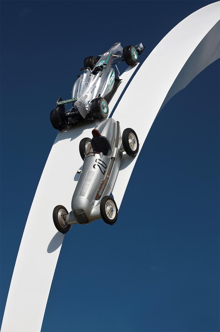 Gigantische Auto-Skulpturen Gerry_Judah_02