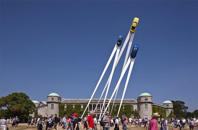 Gigantische Auto-Skulpturen Gerry_Judah_04