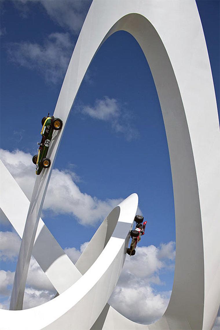 Gigantische Auto-Skulpturen Gerry_Judah_06