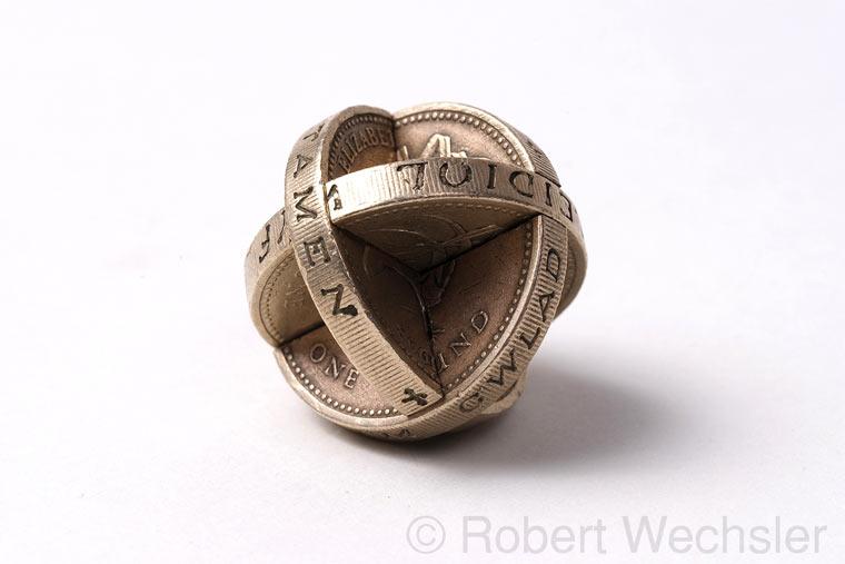 geometrische Skulpturen aus Münzen Robert_Wechsler_04