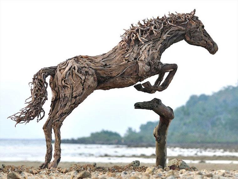 Galoppierende Treibholzpferde drivewood-horses_04