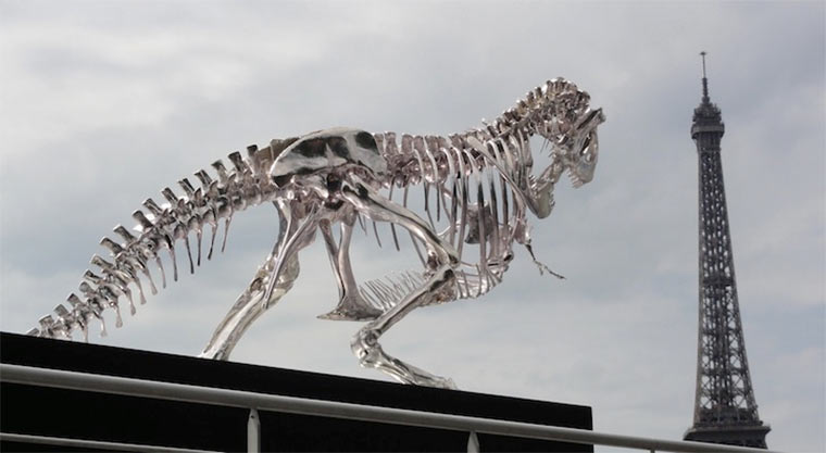 riesiges T-Rex-Skelett attackiert Paris giant-T-Rex_Paris_04