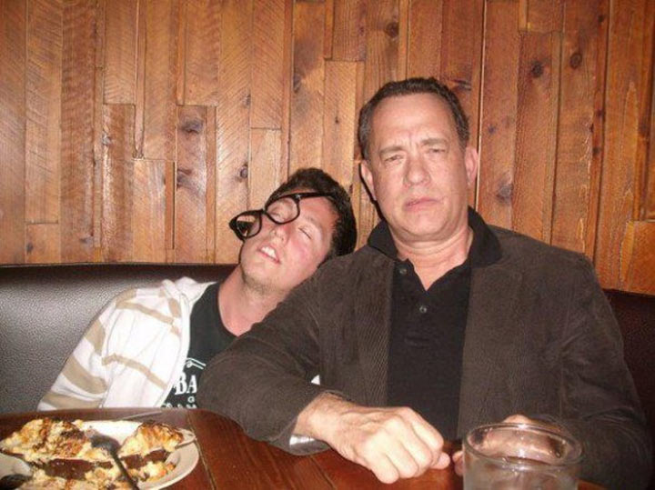 Drunk Pictures with Tom Hanks Tom_Hanks_fundrunkpics_00