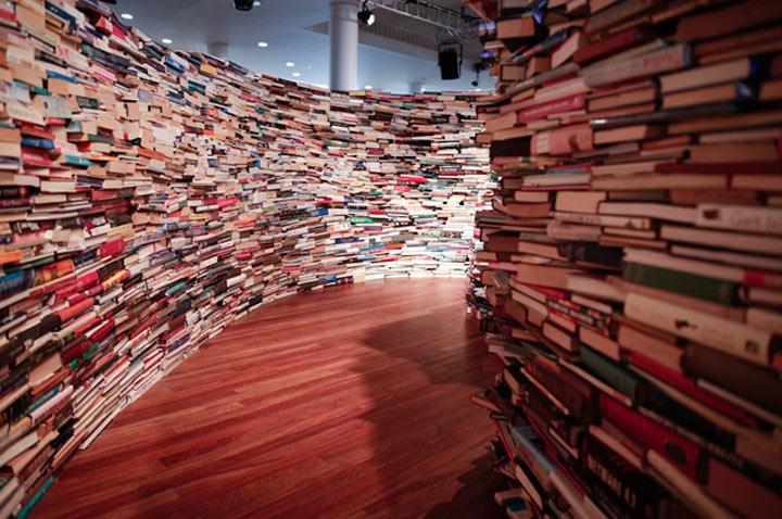 Labyrinth aus 250.000 Büchern aMAZEme_04