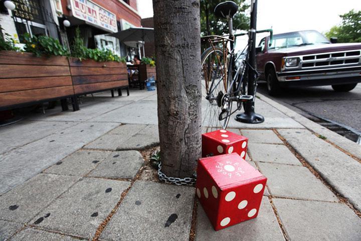 Street Art: Chicago als Monopoly-Spiel chicago_monopoly_streetart_05