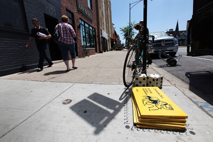 Street Art: Chicago als Monopoly-Spiel chicago_monopoly_streetart_07