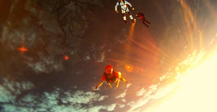 Stylisch durch die Luft: Experience Freedom experience_freedom