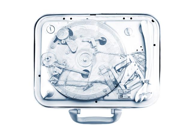 vermeintliche Röntgenbilder verloschener Technik-Stars Max_de_Esteban_06