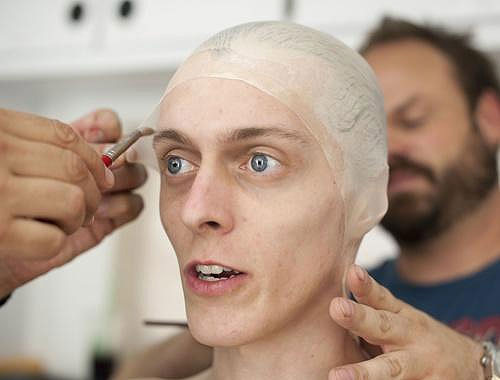 Making a Zombie: The Walking Dead Make-Up Team making_a_zombie_01