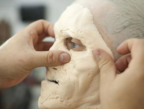 Making a Zombie: The Walking Dead Make-Up Team making_a_zombie_03