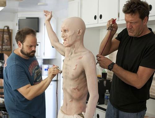 Making a Zombie: The Walking Dead Make-Up Team making_a_zombie_04