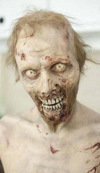 Making a Zombie: The Walking Dead Make-Up Team making_a_zombie_07