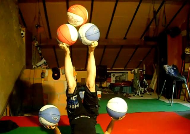 fünffache Basketball-Jonglage 5_balljuggling