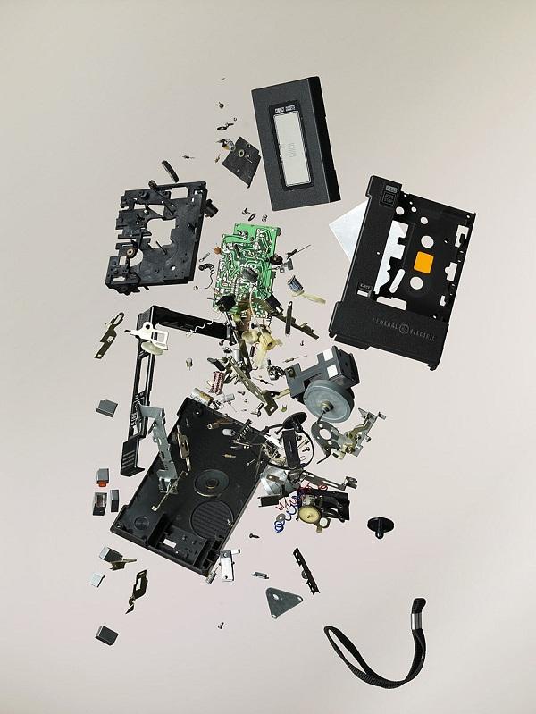Explodierende Technik-Innereien Disassembly_06