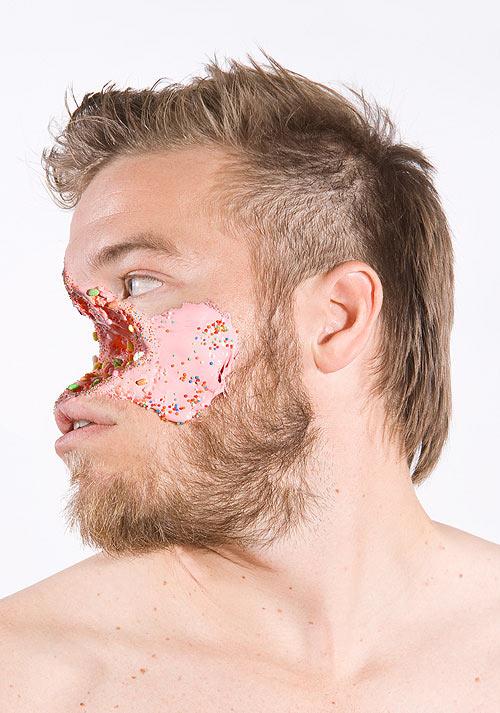 Lecker Splatter: Gesichter mit Süßigkeitswunden Faces_05