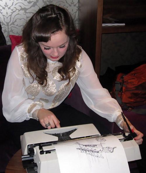 Schreibmaschinenkunst: Keira Rathbone Keira_Rathbone_01