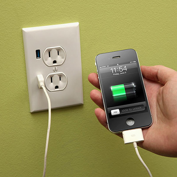 USB-Ports in Steckdose integrieren USB_Wall_socket