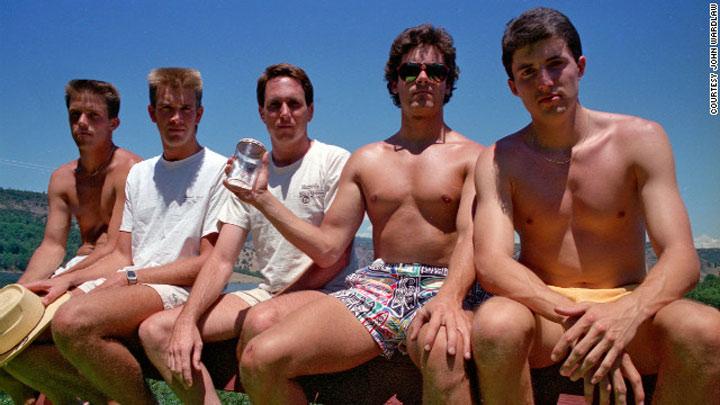 Alle 5 Jahre das gleiche Gruppenfoto samegroupphoto_every5yrs_02