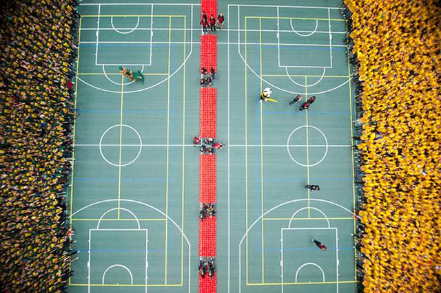 Weltgrößtes Brennballspiel