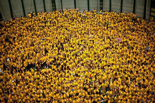 Weltgrößtes Brennballspiel weltrekord_brennball_2012_02