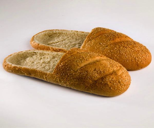 brotvolle Kunst: Die Brotschuhe dzn_Bread-Shoes-by-RE-Praspaliauskas-14