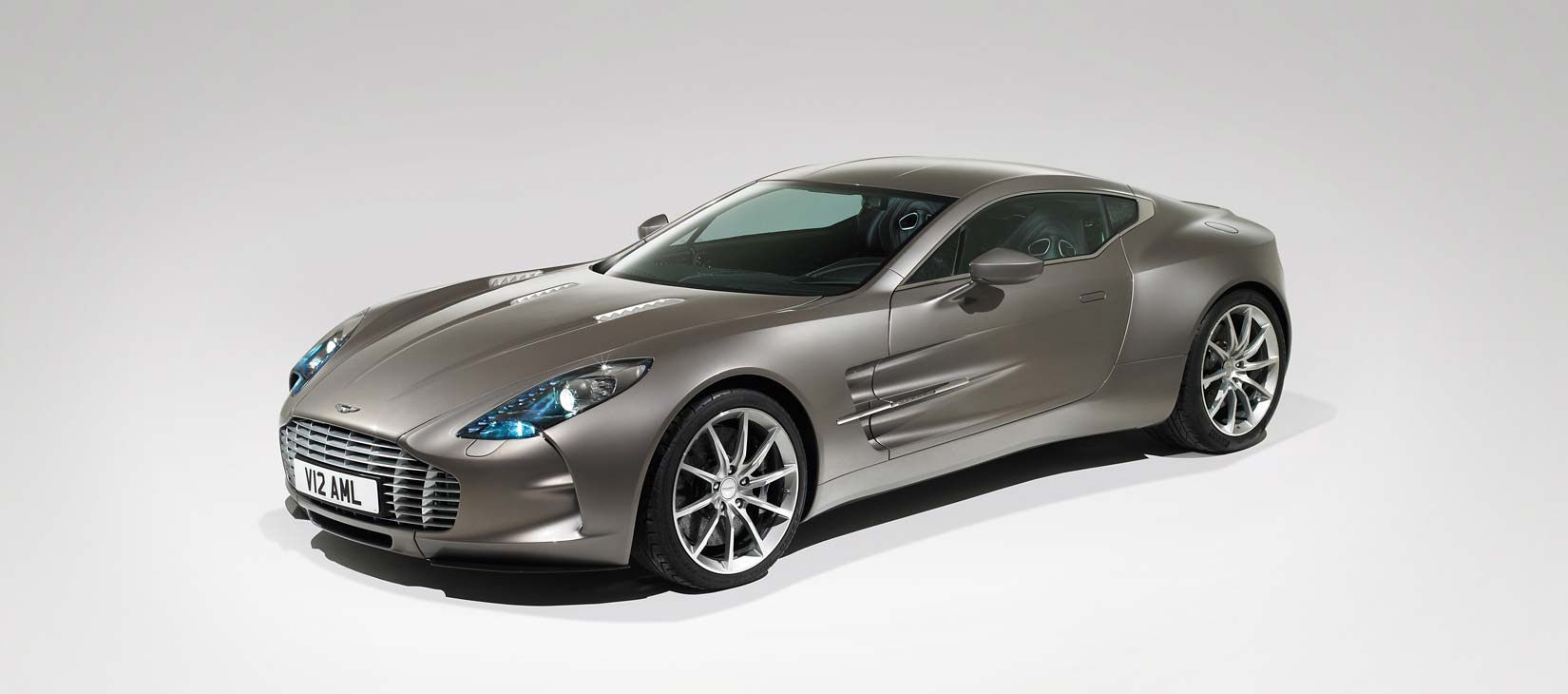 Aston Martin one 77 rga_astonmartin_brochureimage_one-77