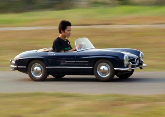 Reine halbe Sache: Mercedes 300SL Replica Half-scale-working-Mercedes-300SL-replica_1