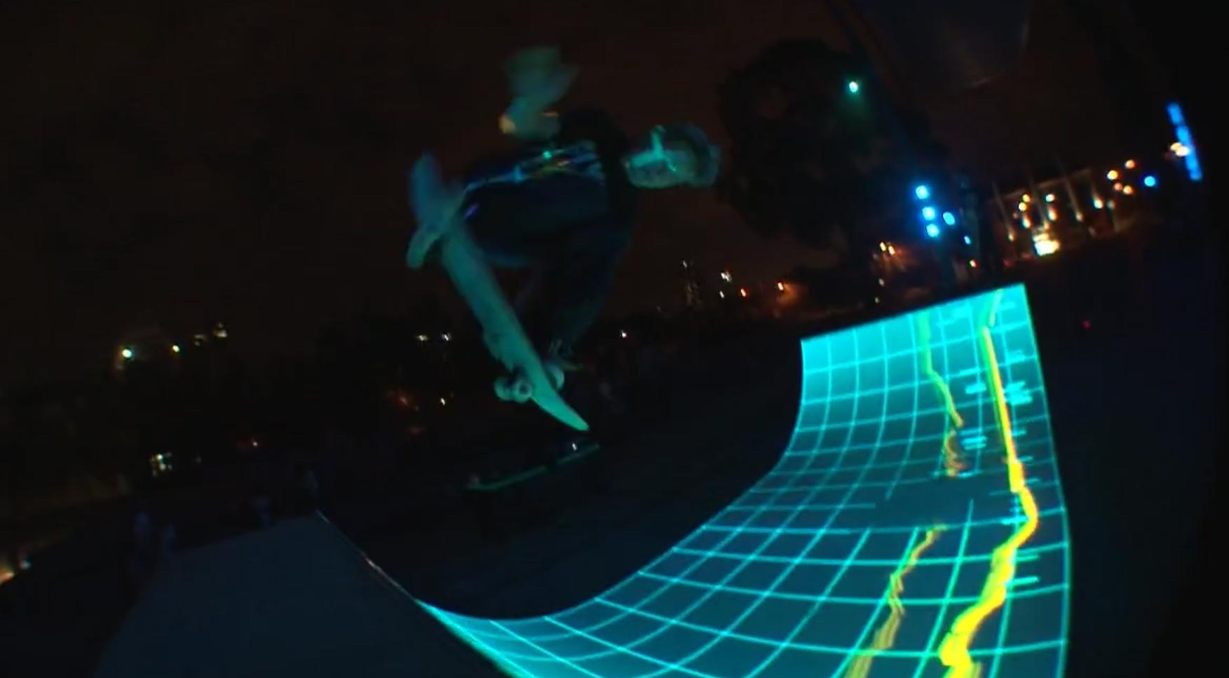 interaktive TRON Light Half Pipe tron-halfpipe