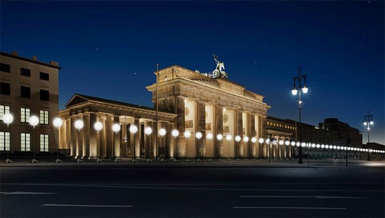 Berliner Lampen-Mauer Lichtgrenze_01