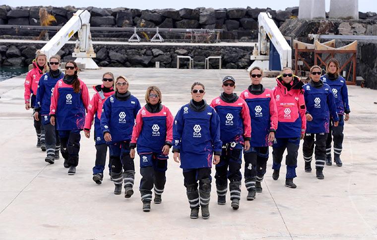 Frauenteam beim härtesten Segelrennen