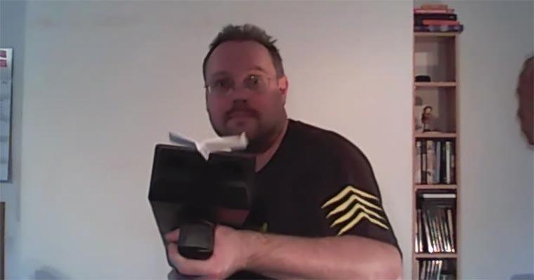 Die Papierflieger-Maschinenpistole papierflieger_maschinenpistole