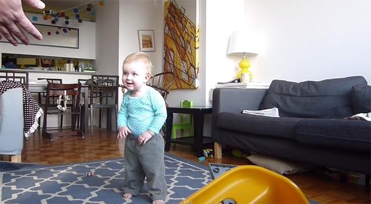 Lucy lernt Laufen