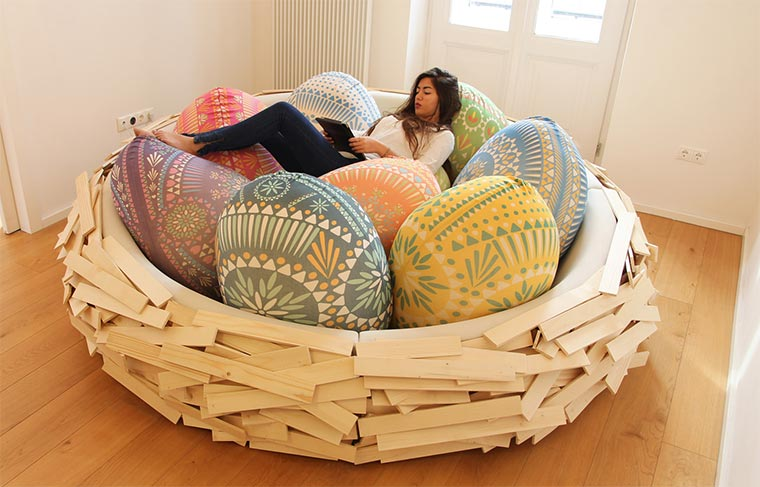 Ins gemachte Nest legen
