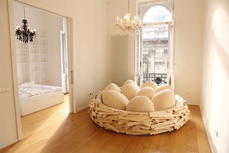 Ins gemachte Nest legen Giant_Birdsnest_03